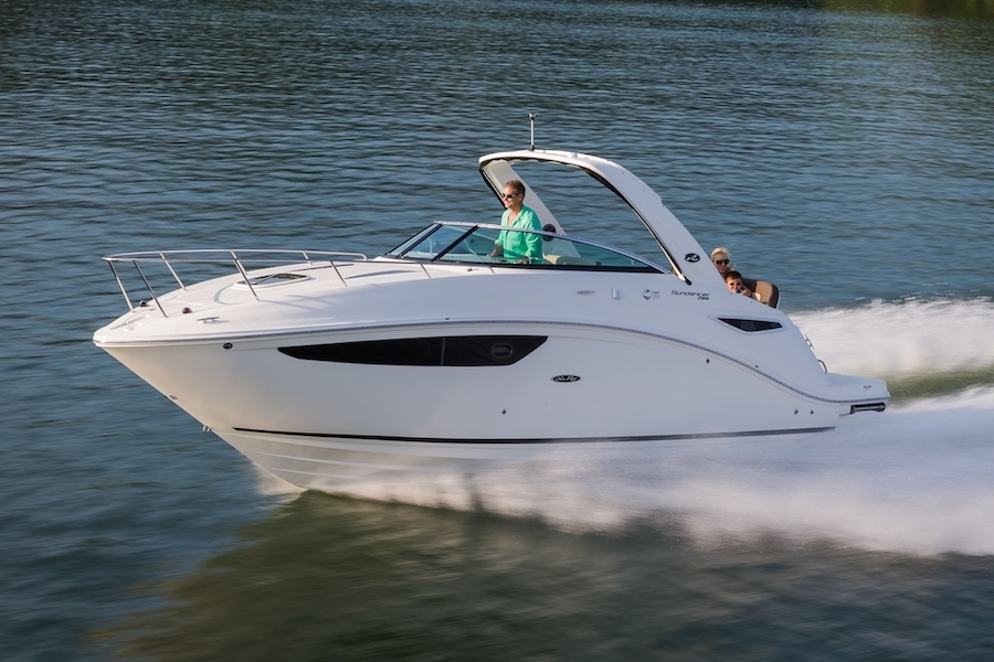 Experience the Sea Ray Sundancer 260 | Your 26' Luxury Cabin Cruiser