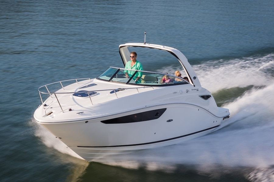 Experience the Sea Ray Sundancer 260 | Your 26' Luxury Cabin