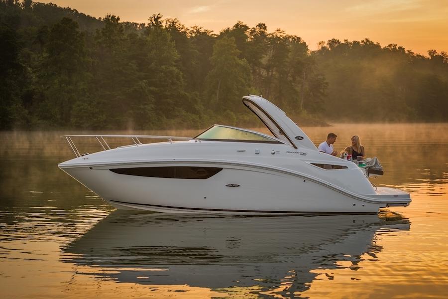 Experience the Sea Ray Sundancer 260 | Your 26' Luxury Cabin Cruiser