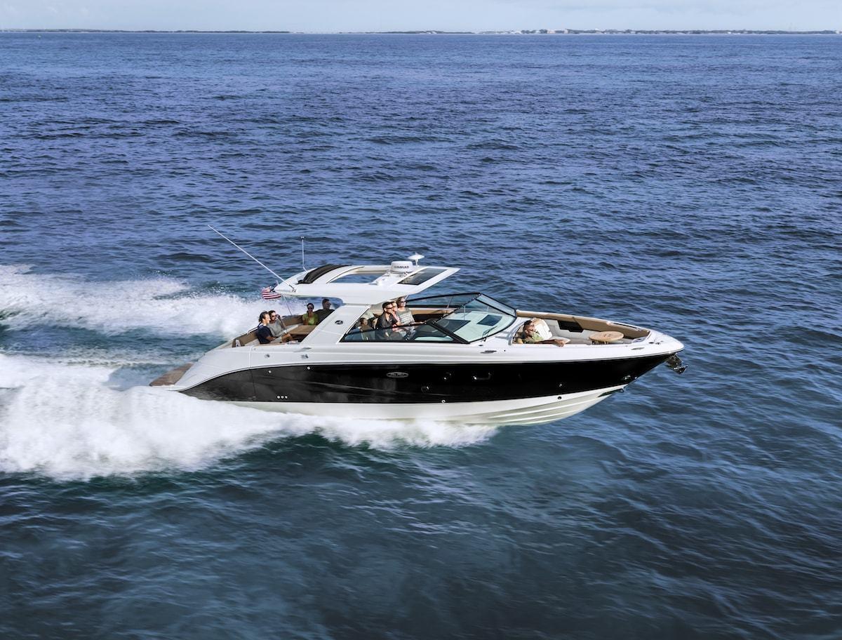 Sea Ray Slx 400 Bowrider For On Water Entertaining Sea Ray Yachts