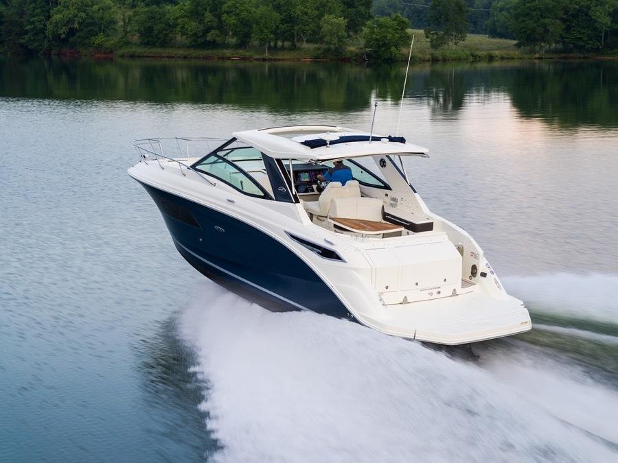 Meet The New Sea Ray Sundancer 320 32 Luxury Cabin Cruiser