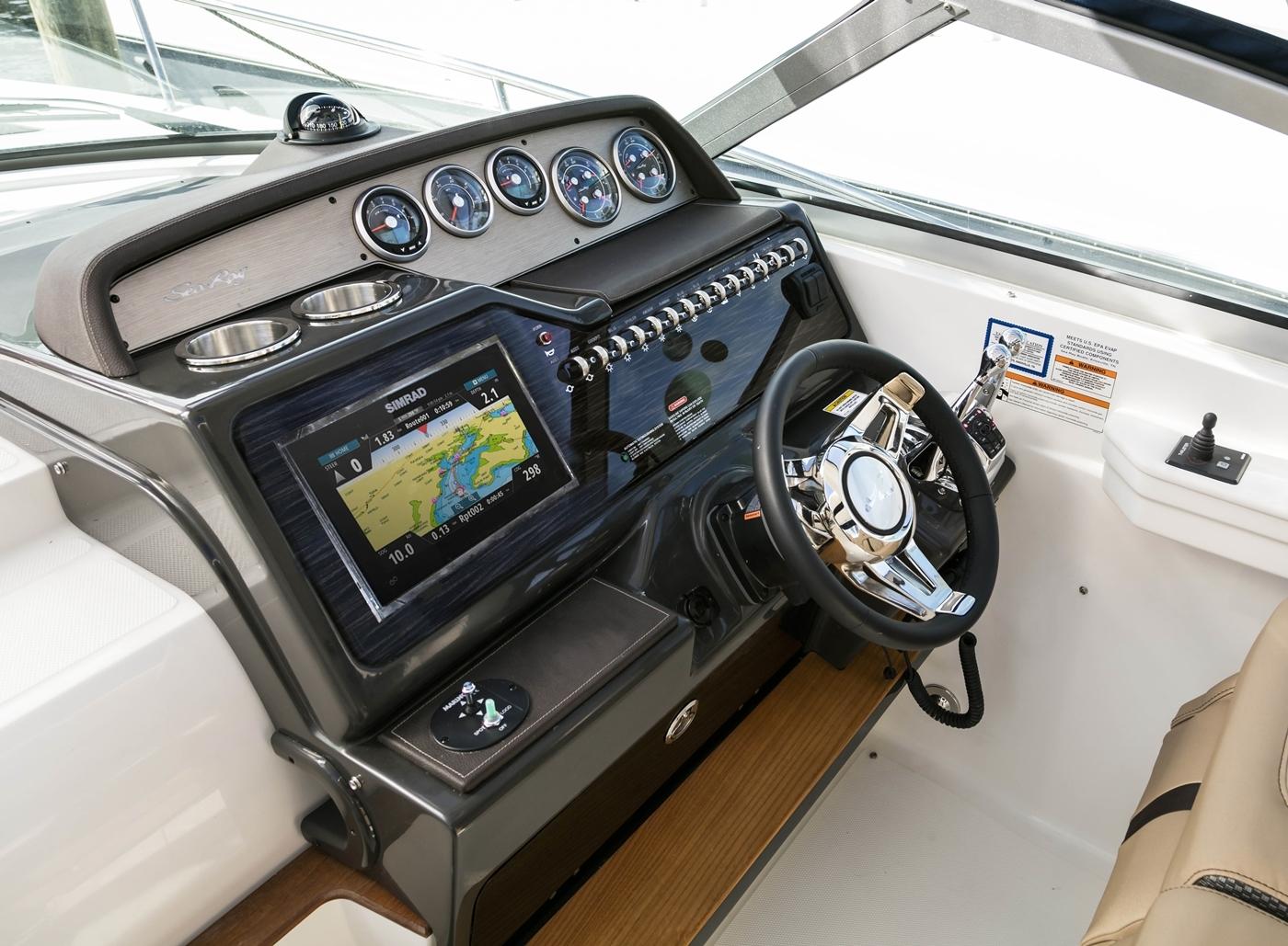 Sundancer 350 | Sea Ray Boats